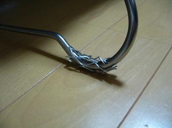 鉄板スタンド滑り止め02.JPG